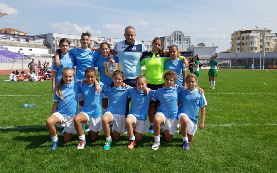 16-годишна футболистка на Дунав с повиквателна за националния