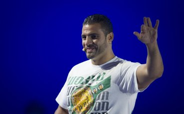 Мануел Чар уличен в допинг, загуби пояса на WBA