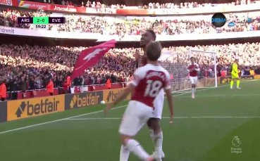 Арсенал дублира аванса си след скандална засада