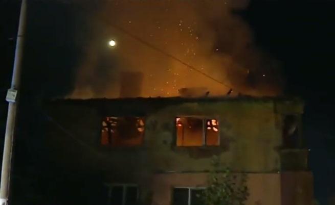 Изпепелени домове, горя жилищен блок в Божурище