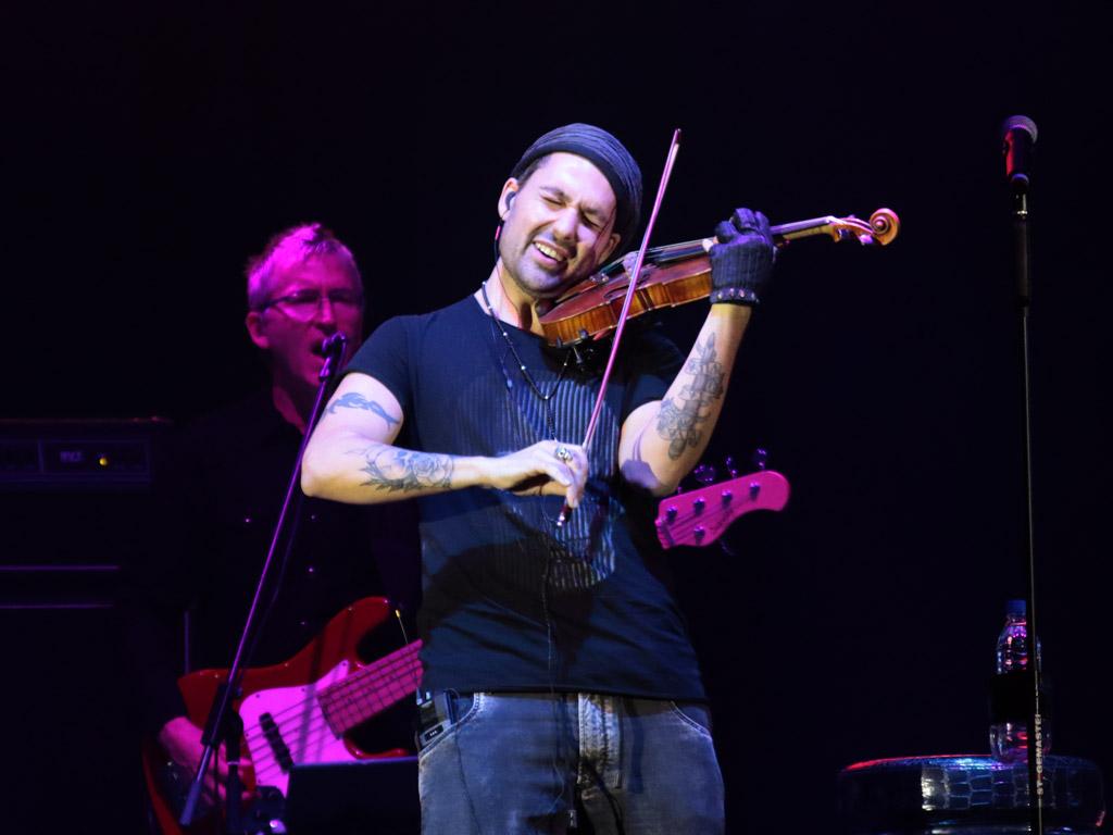 Цигуларят-виртуоз Дейвид Гарет с концерт в Арена Армеец, София