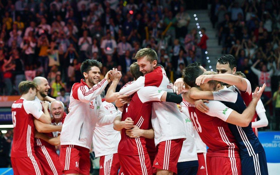 Полша е първият полуфиналист на Евроволей 2019