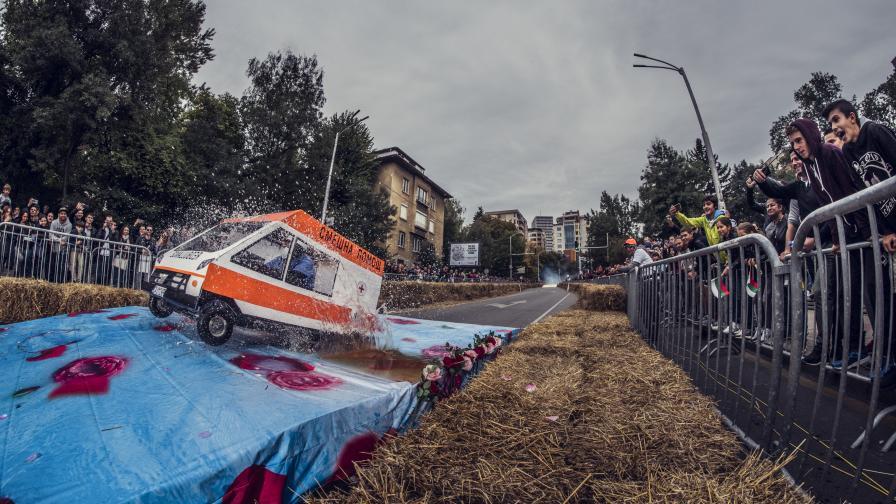 49 безмоторни автомобила в щуро състезание в София
