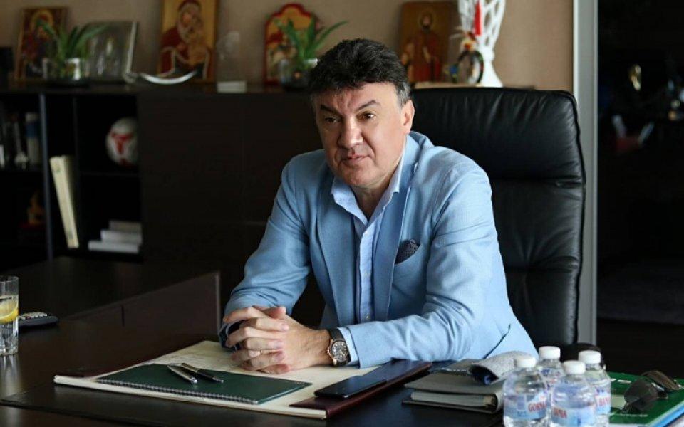 Подалият оставка Борислав Михайлов сподели, че нововъведението за вратари извън