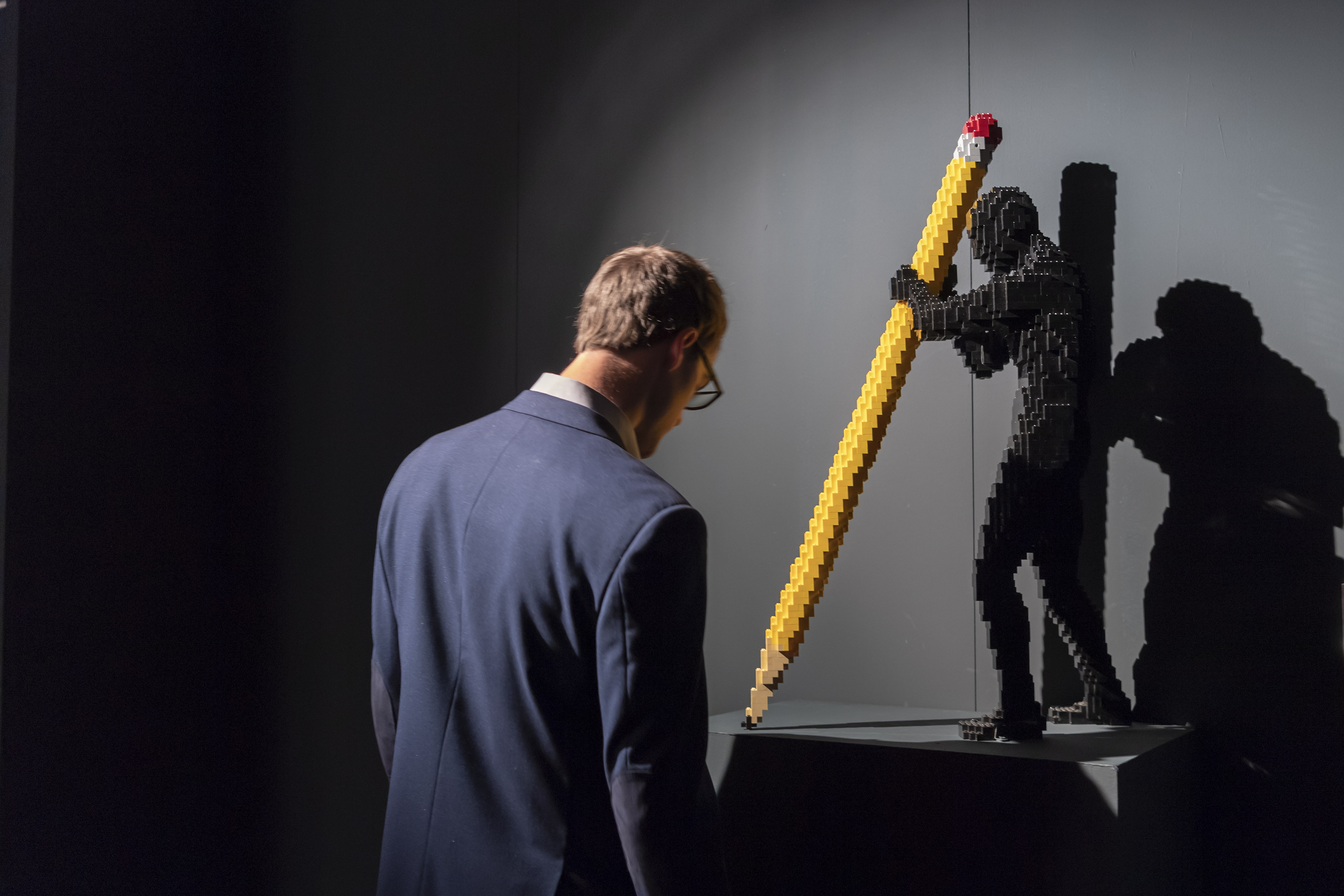 """Изложбата """"Изкуството на тухличката"""" в Женева, Швейцария. Изложбата с тухличките на Лего от американският художник Натан Сауеа ще бъде отворена за посетители от 4 Октомври 2018 г. до 6 януари 2019 г."""