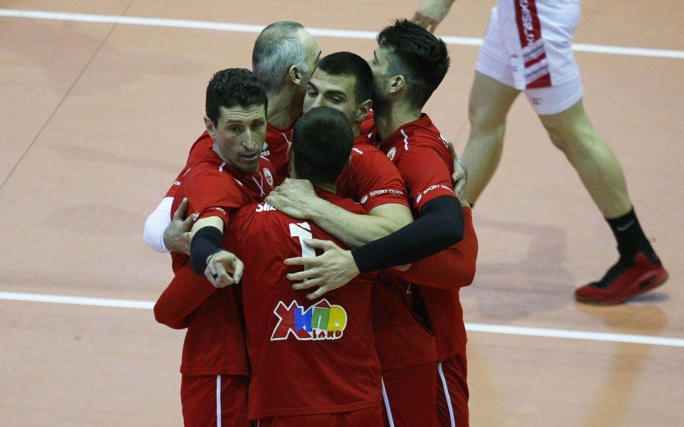 ЦСКА победи Пирин Рз в първия мач от турнира