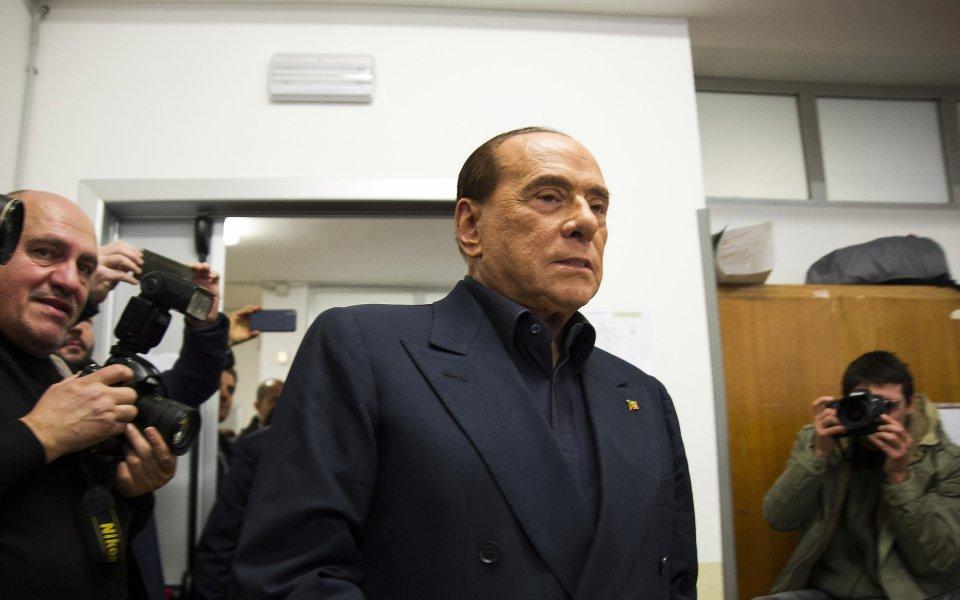 Бившият президент на Милан Силвио Берлускони изригна срещу сегашното ръководството