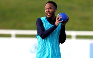 Челси наложи забрана на четирима заради расизма срещу Стърлинг