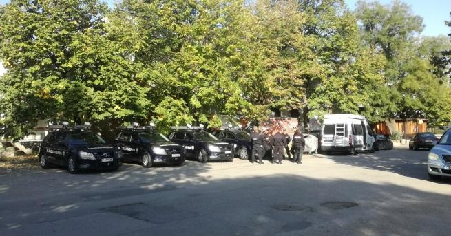 Петима души от ромската махала в Гълъбово са задържани заради