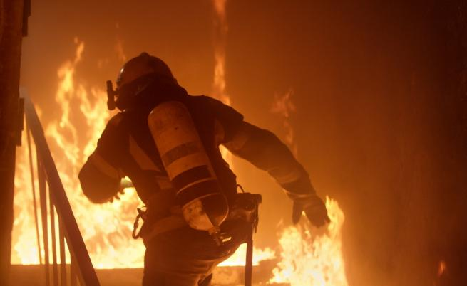 Пожар изпепели къщи в Габрово