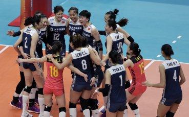 Волейболистките на Китай с бронзовите медали на световното