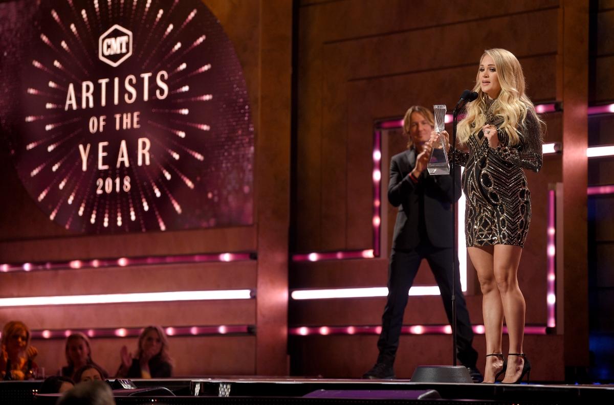Певицата Кари Ъндърууд трябва да роди в началото на 2019 година и след това да тръгне на турне в Щатите. Със сигурност ще се наложи да прояви свръхсили, за да се справи.