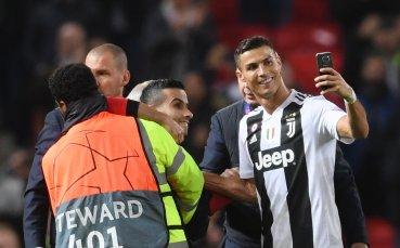 """Уникален жест на Роналдо при завръщането му на """"Олд Трафорд"""""""