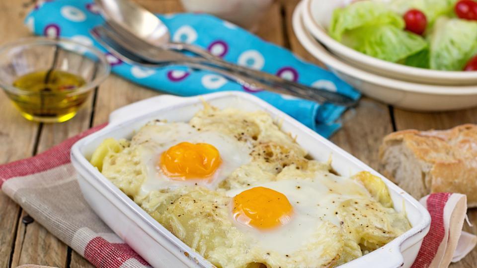 Картофи с яйца на фурна