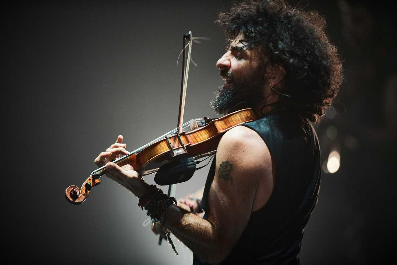 Концертите на Ара Маликян са пътешествия през различни култури, музикални епохи и стилове.