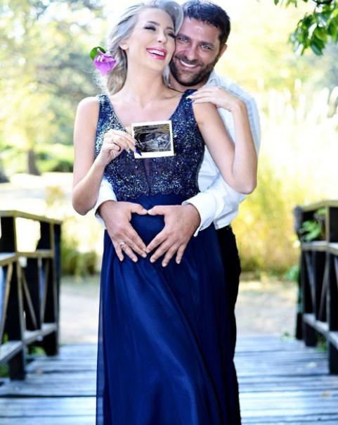 """""""Мис България 2009 г."""" споделя с всички щастието, което изпитват тя и съпругът ѝ"""
