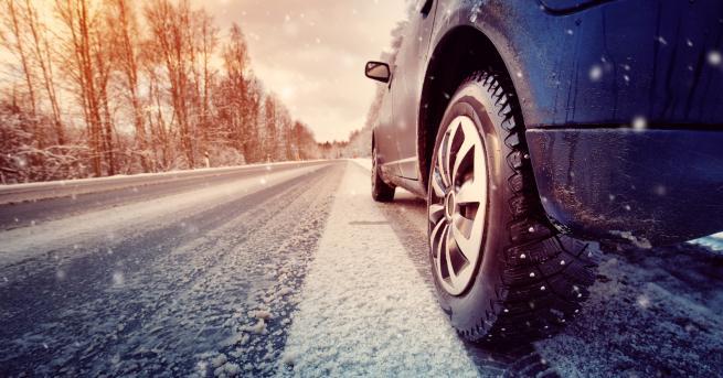 България Зима е, бъдете внимателни! Вижте тези катастрофи в леда