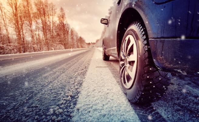 Зима е, бъдете внимателни! Вижте тези катастрофи в леда