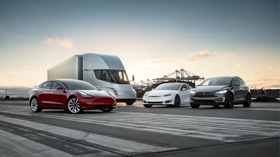 <p>Tesla е продала повече е-коли от трите компании след нея</p>