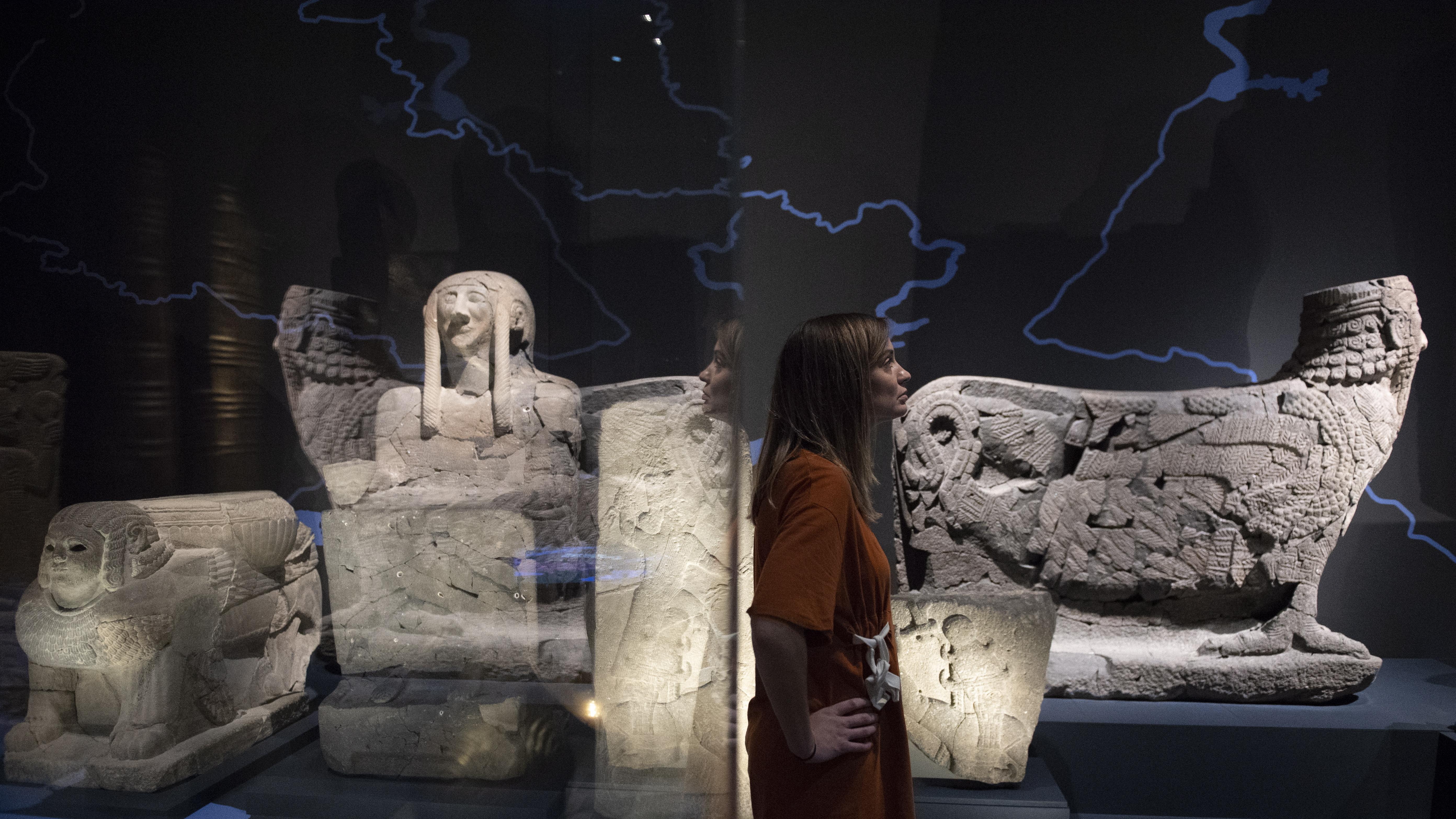 """Изложбата """"Аз съм Ашурбанипал: цар на света, цар на Асирия"""" в Британския музей - Лондон, Великобритания."""