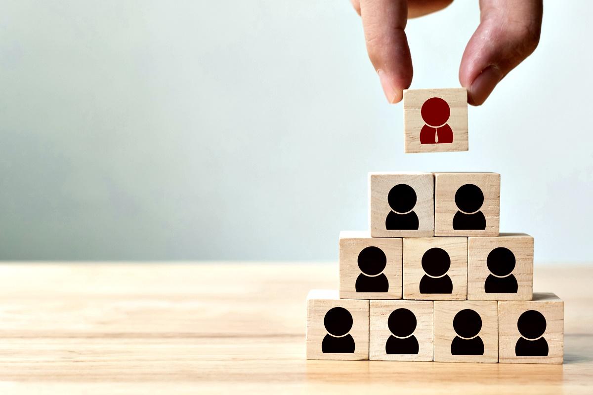 Набележете си цели<br /> Приносът ви към новата фирма може да се окаже от голямо значение за развитието ви в нея. В първите месеци си отваряйте очите за всичко, което може да бъде подобрено и може да ви помогне да се издигнете на по-висока позиция.