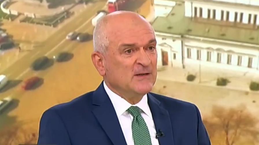 <p>Главчев: Доверието към правителството не пада</p>