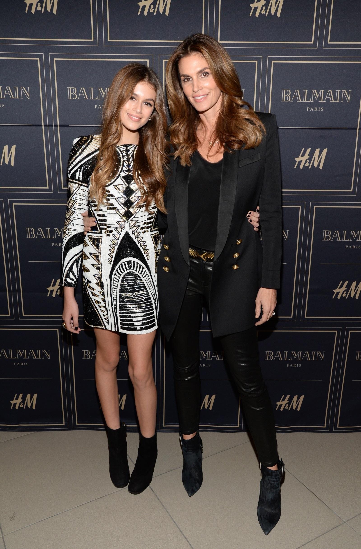 Синди Крауфорд и дъщеря ѝ Кая Гербер, която тръгна по нейните стъпки в моделството.