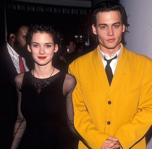 """Джони Деп и Уинона Райдър<br /> <br /> Джони и Уинона се събират, след като си партнират във филма от 90-те """"Едуард ножиците"""", за съжаление обаче връзката им трае само две години."""