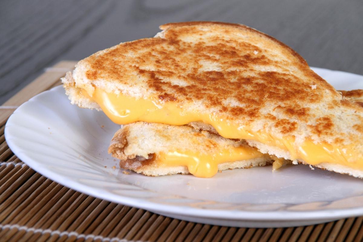Изненадващо, сандвичът със запечени сирена се окичва със сребърен медал.