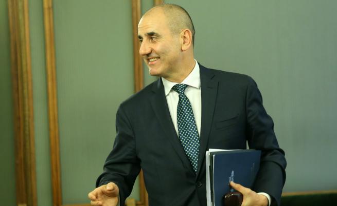 Цветанов: Оставката на Симеонов ще успокои обстановката