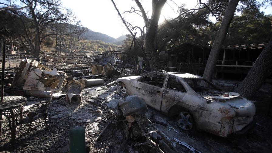 <p>Над 1000 в неизвестност и 71 загинали при пожара в Калифорния</p>