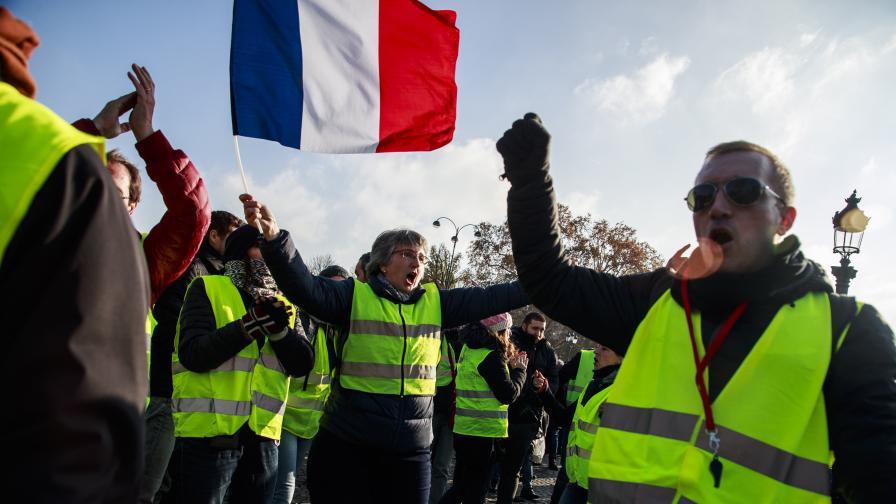 Как във Франция протестират срещу цената на горивата