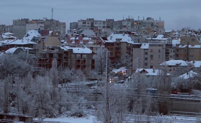 Евростат: Две трети от младите българи живеят в пренаселени жилища