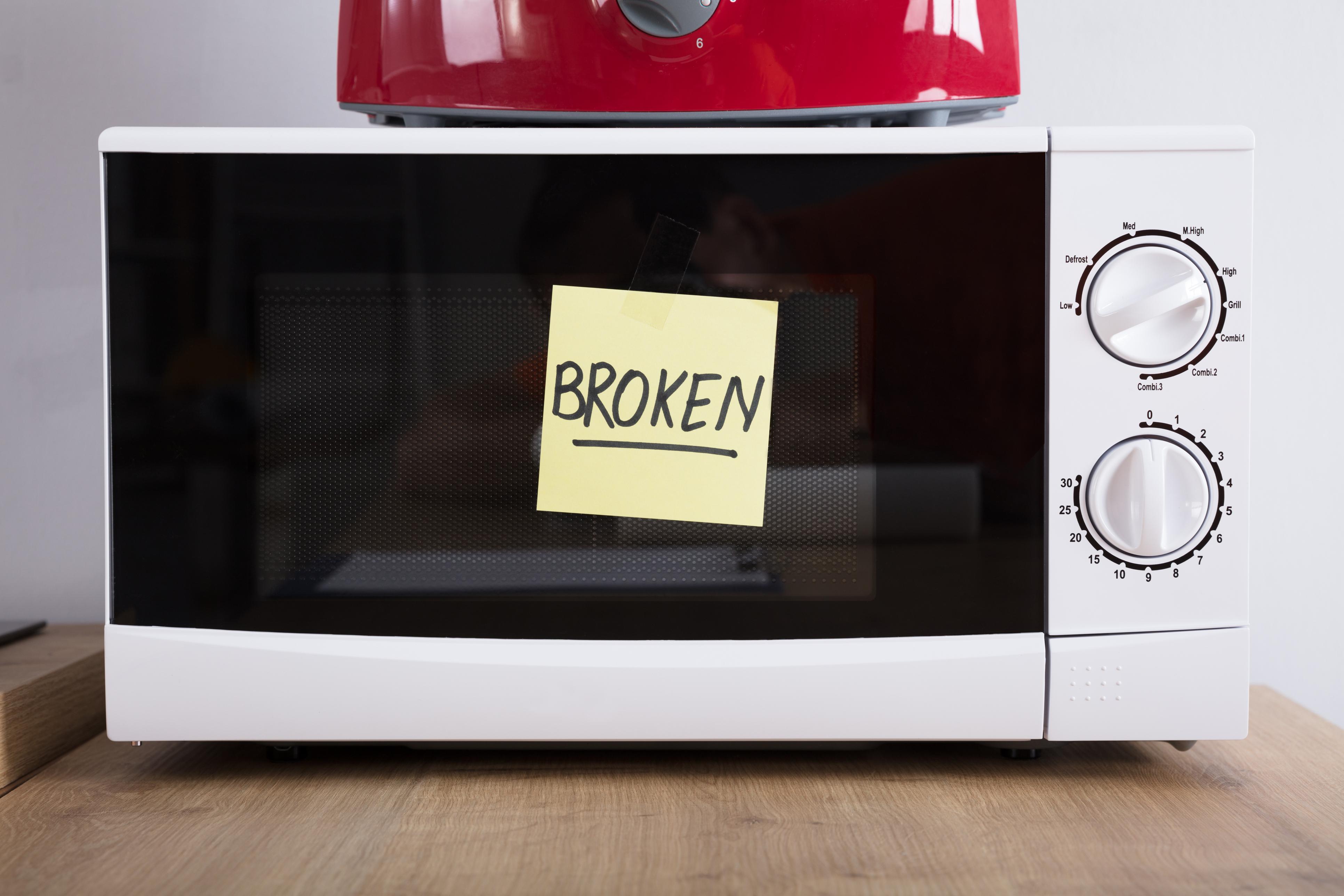 """Стари и неработещи домакински уреди, които обаче пазите """"за части"""", а реално в последните две години не са ви потрябвали."""