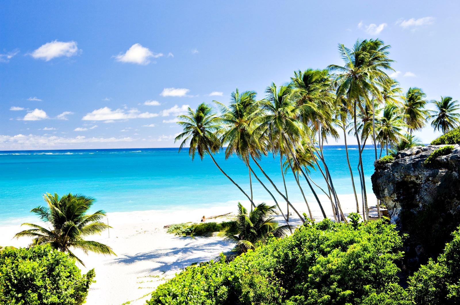 В Барбадос също честват празника, и то от около 300 години. <div>Той представлява фестивал на жътвата, продължаващ от шест седмици до три месеца.</div>  <div></div>  <div>Носи името Край на реколтата.</div>