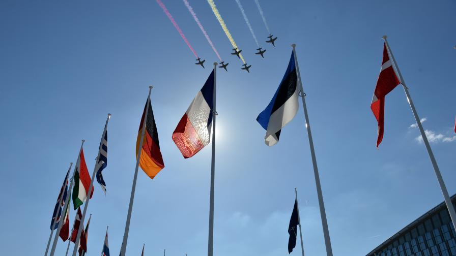 САЩ: ЕС да създаде армия в допълнение към НАТО