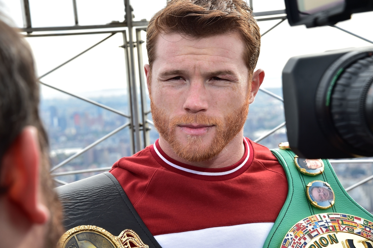 Канело Алварес, боксьор. Спечелени: 44.5 милиона долара.