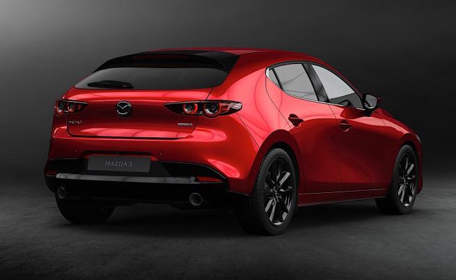 Mazda: в момента двигателят с вътрешно горене е по-добра алтернатива от електромобила