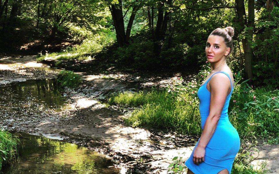 Фитнес богиня се връща на ринга в UFC