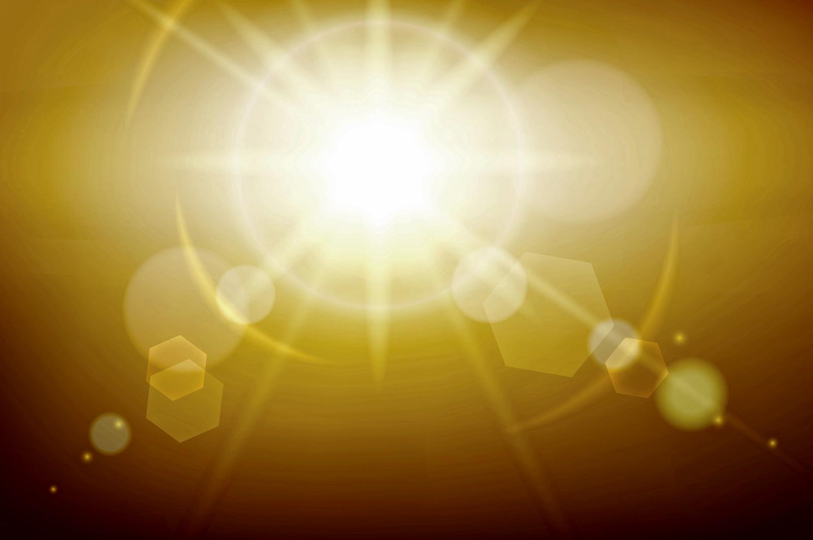 Прозрачно и по-тъмно жълт<br /> Ако урината ви е прозрачно жълта, това е знак, че пиете здравословни количества вода, тялото ви е добре хидратирано и няма признаци от заболявания. Ако преминава към по-тъмно жълт цвят, това също е в рамките на нормалното, но трябва да започнете да приемате една идея повече вода, за да не се дехидратирате.