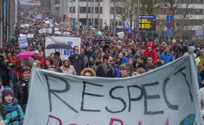 Десетки хиляди на протест в защита на природата в Брюксел