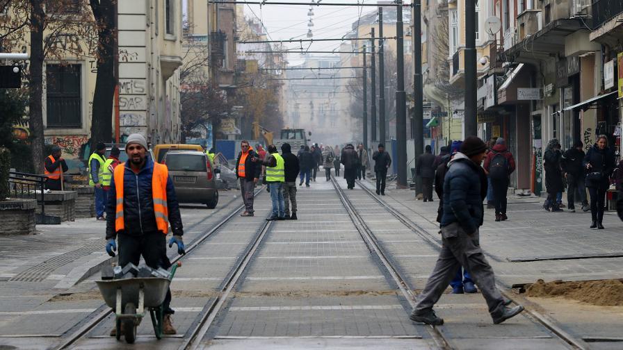 """Тръгнаха трамваите по столичния """"Граф Игнатиев"""""""