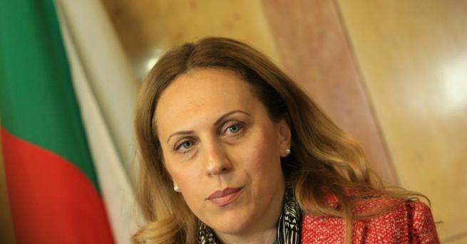 """България Николова обсъди с КРИБ чуждестранните работници """"Обнадеждени сме от"""