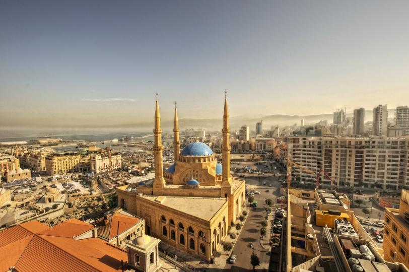 <p><strong>10. Бейрут, Ливан</strong><br /> <br /> Столицата на Ливан се обитава от повече от 5000 години. Първите доказателства за активността на града датират от 3000 години преди новата ера. Разкопки в града разкриват финикийски, елински, римски, арабски и османски руини, а в момента Бейрут е атрактивна туристическа дестинация.</p>
