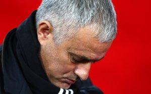 Става страшно: 90% от всички в Юнайтед мразели Моуриньо