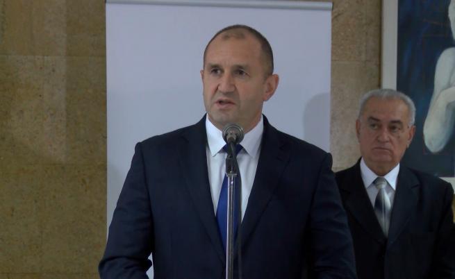 Румен Радев: Демокрацията е в критично състояние