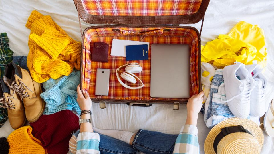 жена багаж летене