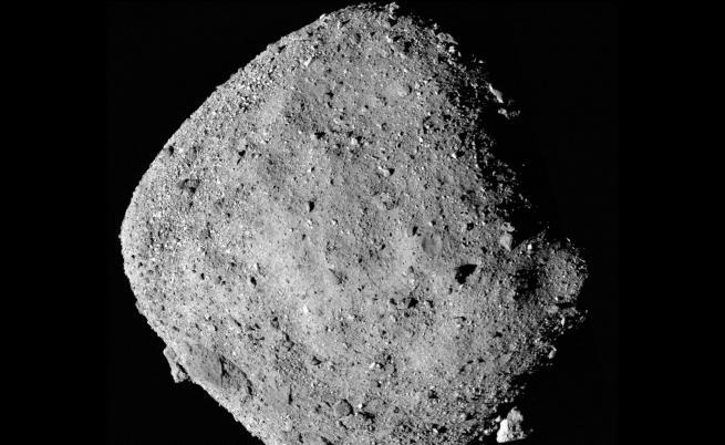Сондата на НАСА откри вода на астероид