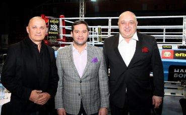 Министър Кралев награди победителя в Националната боксова лига Боян Асенов