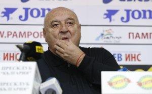 Венци Стефанов: Балъков е голям некадърник!